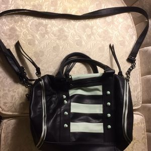 Steve Madden purse handbag with strap